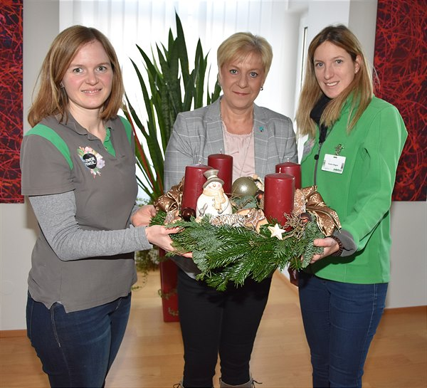 bellaflora Adventskranzübergabe in Bad Vöslau
